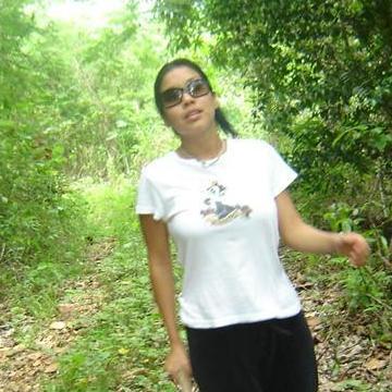 lisa, 29, New Albany, United States