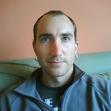 Jon Magu, 33, Bilbao, Spain