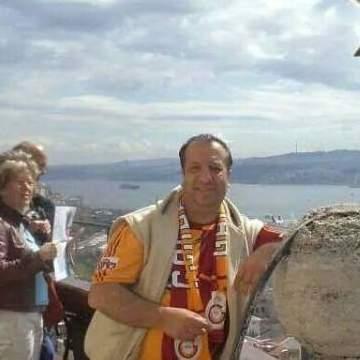 Güven Demirbilek, 45, Izmir, Turkey