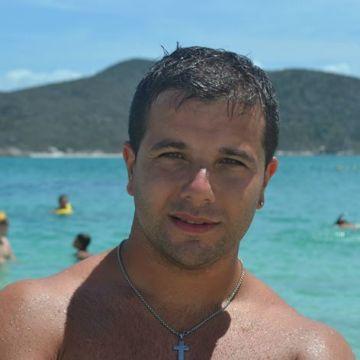 Alesis Navarrete, 33, Buenos Aires, Argentina