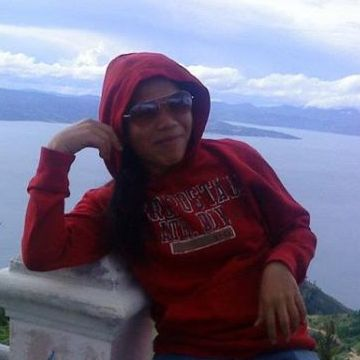 Dewi, 21, Batam, Indonesia