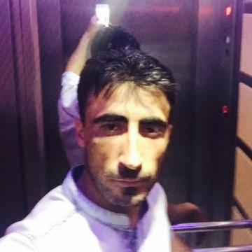 Cetin, 32, Konya, Turkey