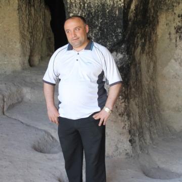 nikusha, 34, Tbilisi, Georgia