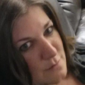 Vivi Neumann, 36, Karlsruhe, Germany