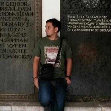 wibowo, 33, Bekasi, Indonesia