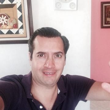 Rod Oscós, 39, Cuernavaca, Mexico
