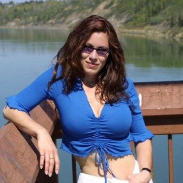 Laura, 37, Louisville, United States