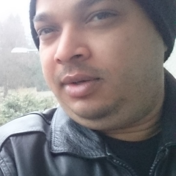 ALI KHAN, 35, Volketswil, Switzerland