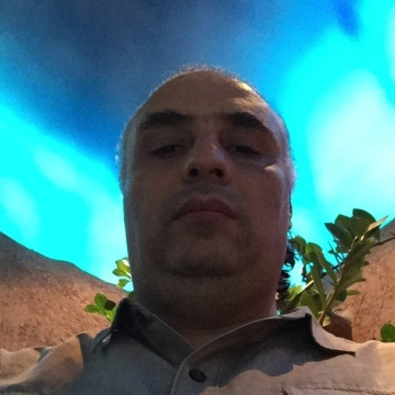 Bacher, 28, Dubai, United Arab Emirates