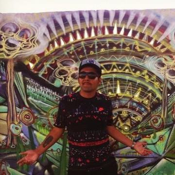 Denn Páez, 30, Barcelona, Spain
