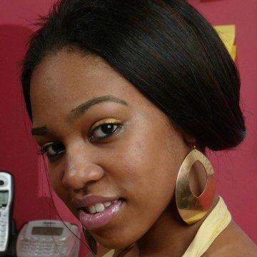 Lydia Nyarko, 23, Accra, Ghana