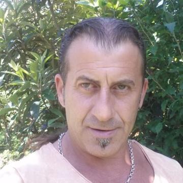 Mustafa Işıklar, 44, Rize, Turkey