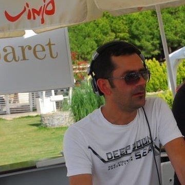 Ömer Ünal, 38, Izmir, Turkey