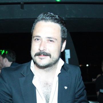 Arda Kuzucu, 34, Izmir, Turkey