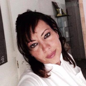 Lina, 50, Napoli, Italy