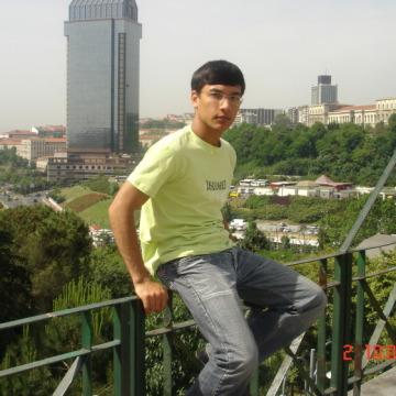 ATAMYRAT KADYROW, 30, Istanbul, Turkey