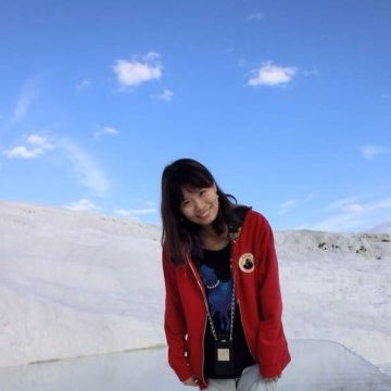 Miranda  Hu, 24, Boston, United States