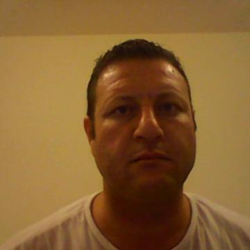 Le maghrebin, 41, Dubai, United Arab Emirates