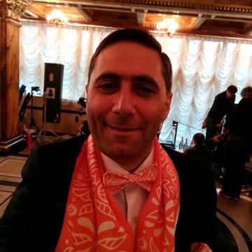 Ryan Muller, 52, Zurich, Switzerland