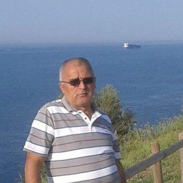 Yılmaz Sonmez, 54, Istanbul, Turkey