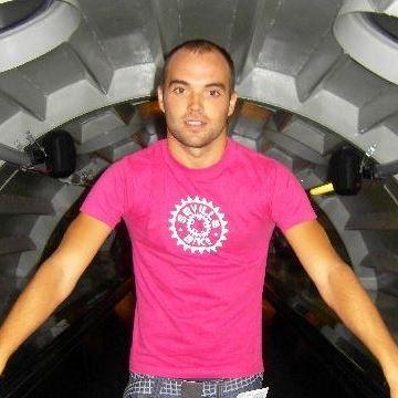 Pedro Javier, 34, Seville, Spain
