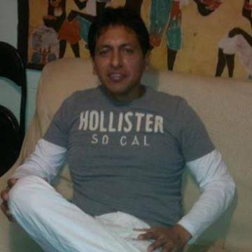 Oswaldo Ramos, 41, Barcelona, Spain
