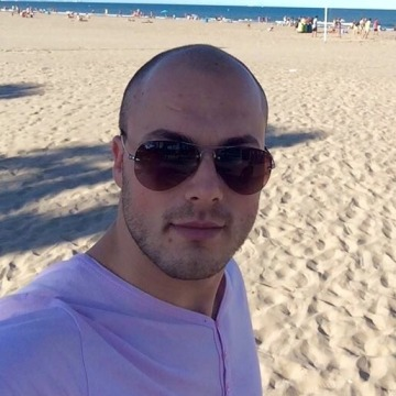 Mario, 28, Madrid, Spain