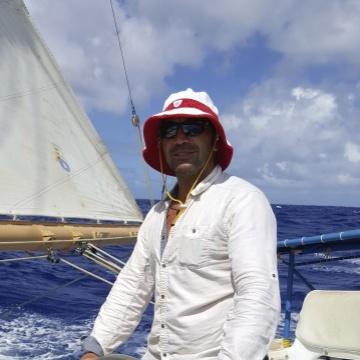 Edward, 48, Honolulu, United States