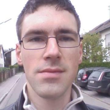 Johannes Braunias, 36, Munchen, Germany