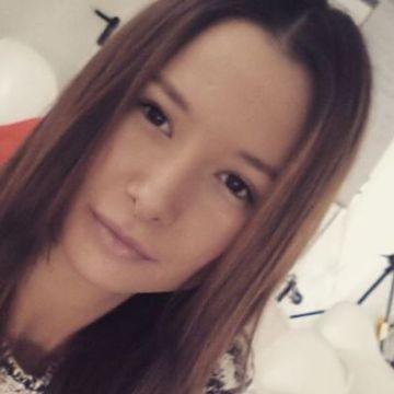 Naomi Träris, 21, Herne, Germany