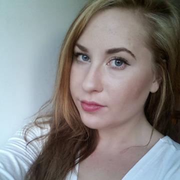 Sara, 25, Stockholm, Sweden