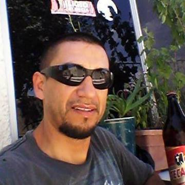 jr guerrero, 41, Tijuana, Mexico