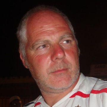 Tony Ryan, 54, Angouleme, France