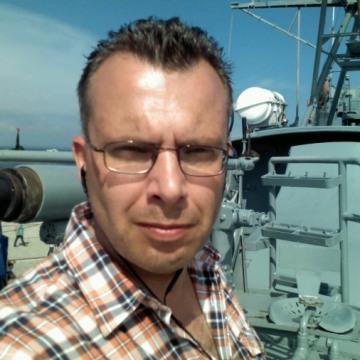 DMITRI, 46, Tallinn, Estonia