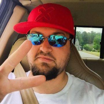 Drew Barnette, 27, Cartersville, United States