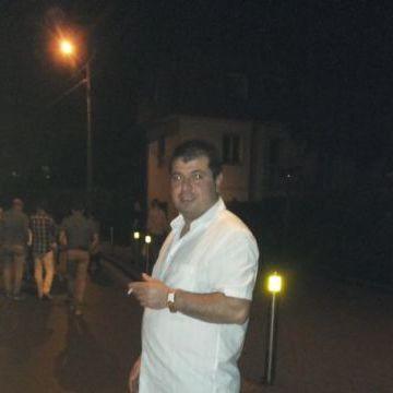 Maget Habach, 35, Miano, Italy