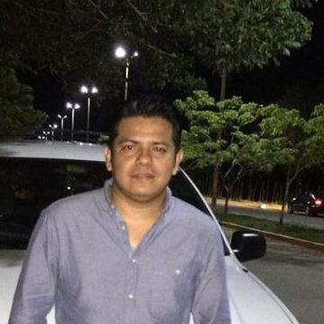 Wamero Medina, 32, Villahermosa, Mexico