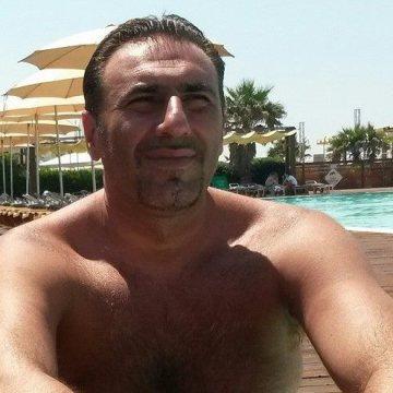 Pino Masucci, 44, Salerno, Italy
