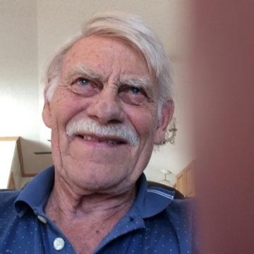 Siggy, 81, Coquitlam, Canada