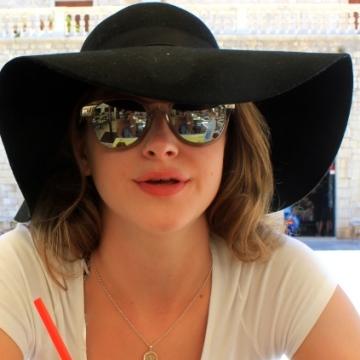 Nika Broughton, 20, Guildford, United Kingdom