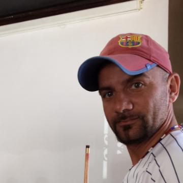 Lucio, 41, Pescara, Italy