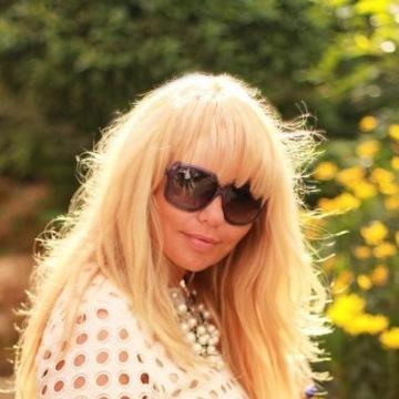 Elena, 43, Barcelona, Spain