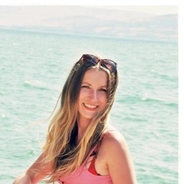 Magdalena, 37, London, United Kingdom