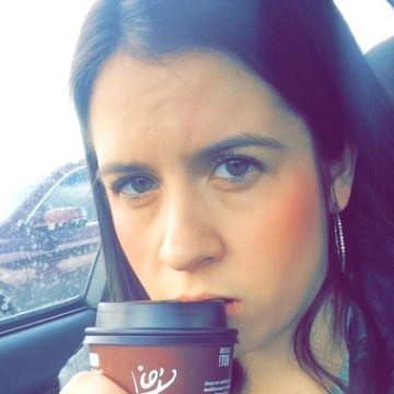 Danielle, 25, Edmonton, Canada