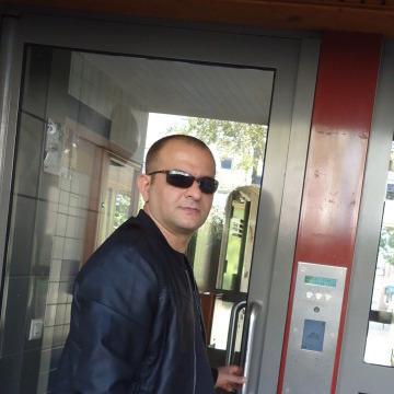 Ezid Badri, 40, Dijon, France