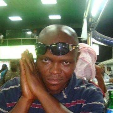 Richardson  onwuma, 35, Lagos, Nigeria