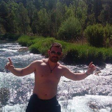 Jorge Hernandez, 39, Valencia, Spain