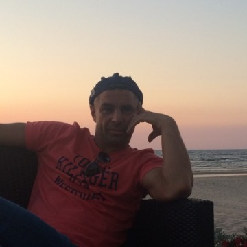 Oleg, 43, Holtland, Germany