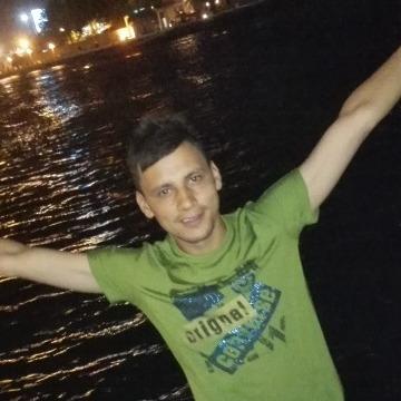 kaml, 24, Dubai, United Arab Emirates