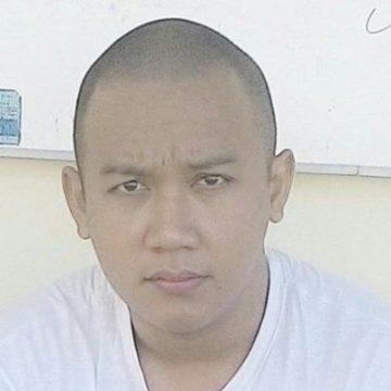 Rizal Aditya Fiyanda, 29, Banyuwangi, Indonesia